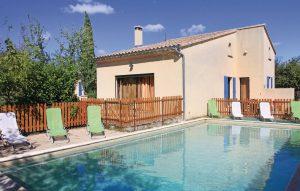 villa-piscine-grillon