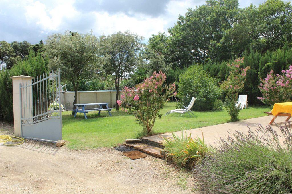 gite-richerenches-jardin